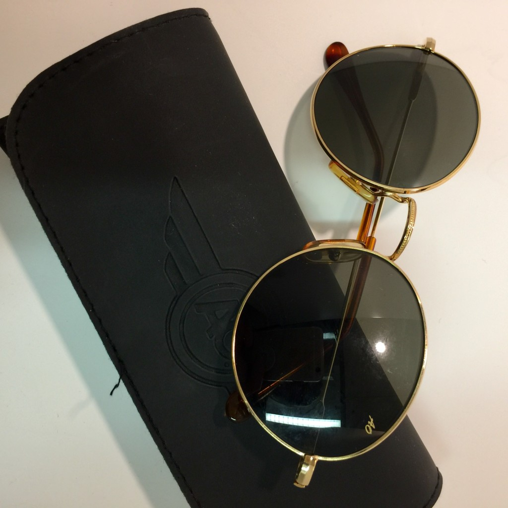 AO sunglasses with original case. Size 54